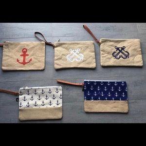 Handbags - 🏖Summer wristlets